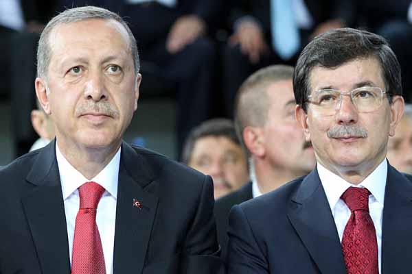 FT, 'Erdoğan ve Davutoğlu arasında iktidar mücadelesi var'