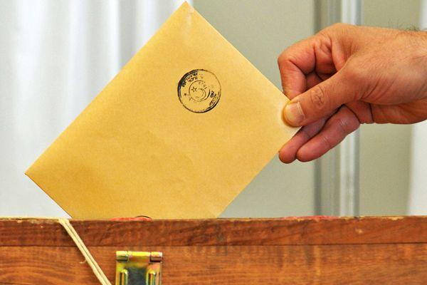Referandumda oy kullanacak öğrencilerin bunları yapması gerekiyor