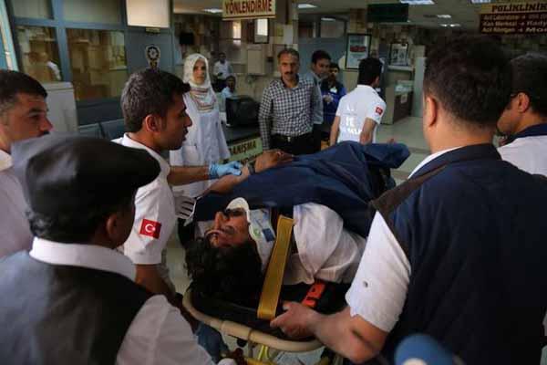 CHP'li aday kazada yaralandı