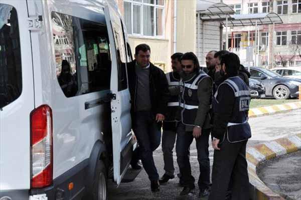 Yasa dışı dinleme operasyonunda gözaltına alınanlar sağlık kontrolünden geçti