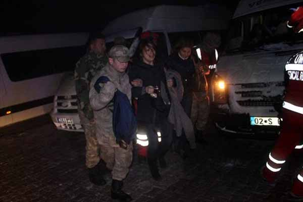 Nemrut Dağı'nda mahsur kalan 97 turist ölümden son anda döndü