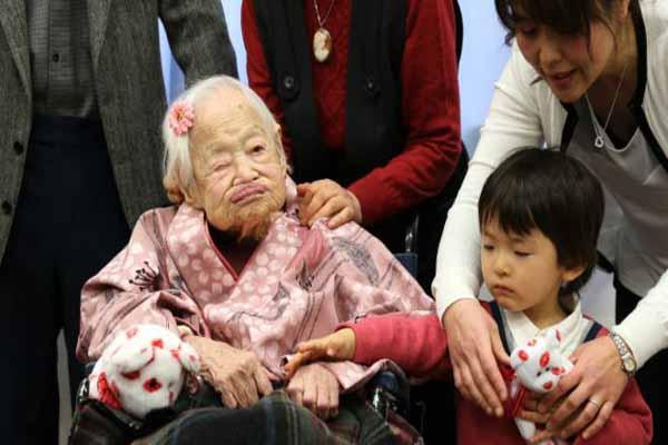 Dünyanın en yaşlı insanı Japonya'da yaşıyor