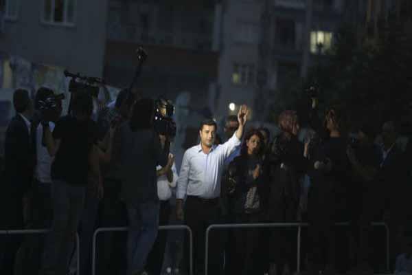 HDP Eş Genel Başkanı Demirtaş'tan patlama sonrası açıklama
