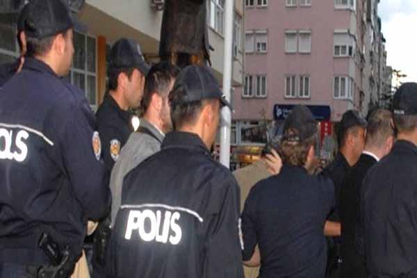 İstanbul'da sabaha karşı operasyon, 49 kişi gözaltında