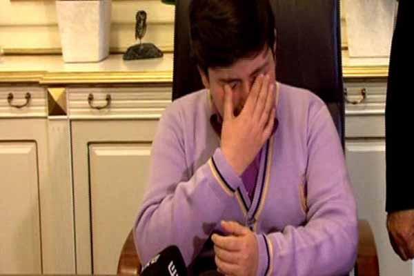 Kadir Topbaş'ın koltuğuna oturan çocuk gözyaşlarına hakim olamadı