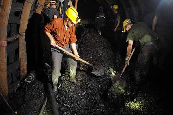 Soma madencilerinin maaşları denmiyor