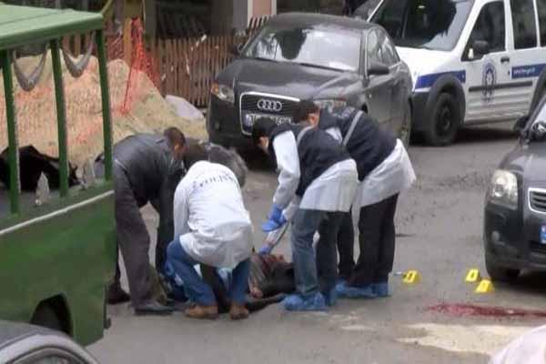 Esenyurt'ta silahlı kavga, 3 kişi hayatını kaybetti