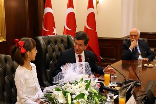 CHP'nin Başbakan Davutoğlu'na 23 Nisan tepkisi