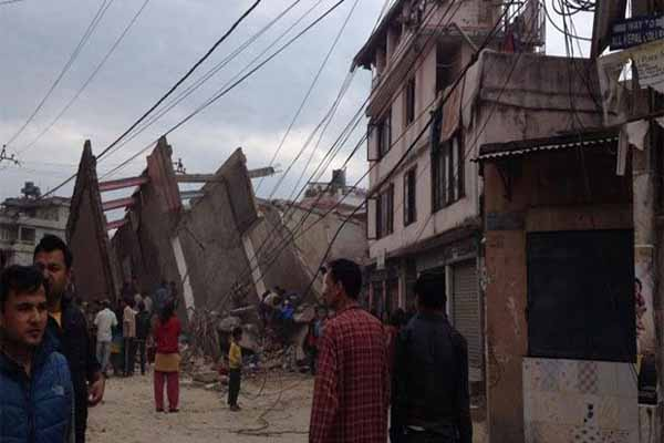 Nepal'de 7,9 şiddetinde deprem meydana geldi