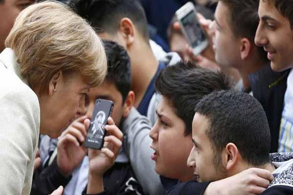 Angela Merkel, Atatürk'ü sordu