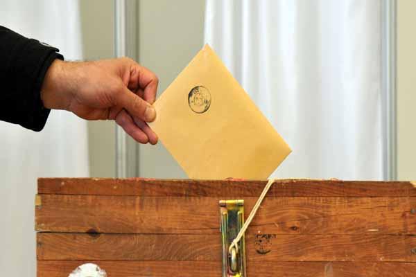 Avustralya'daki gurbetçiler genel seçimler için oylarını kullanmaya başladı