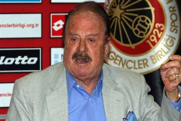 İlhan Cavcav, futbolculaına sakal yasağı getirdi