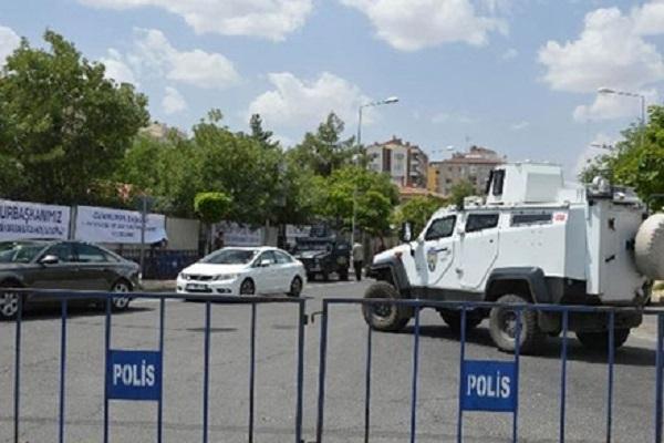 Diyarbakır'da güvenlik önlemleri üst düzeye çıkarıldı