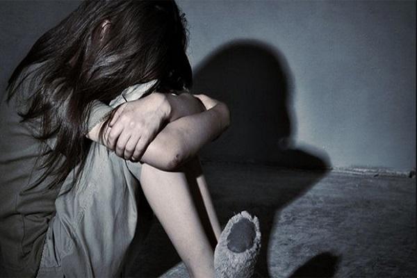 Servis şoföü 9 yaşındaki kız öğrenciyi taciz ettiği iddiasıyla tutuklandı