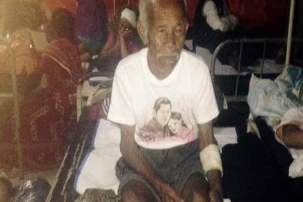 Nepal'deki depremin enkazında kalan 101 yaşındaki adam 1 hafta sonra kurtuldu