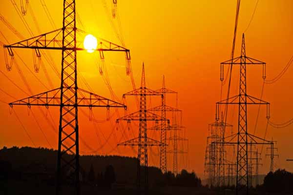 Türkiye'nin genelinde gece yarısı elektrikler kesildi iddiası