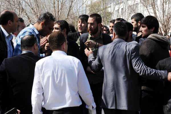 Akdeniz Üniversitesi'nde öğrenciler arasında bildiri gerginliği