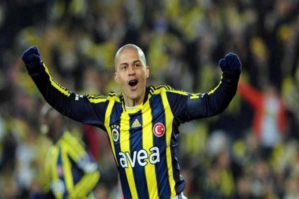 Alex de Souza, İstanbul'a geliyor