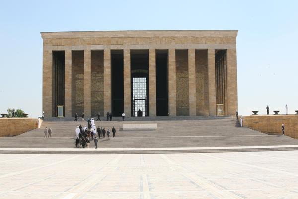 Anıtkabir tartışmasına ilişkin hükümetten ilk açıklama