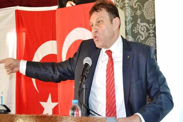 Anadolu Partisi'nde istifa şoku