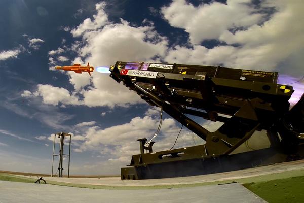 Türkiye'nin ilk yerli hava savunma füzesi test atışını başarıyla tamamladı