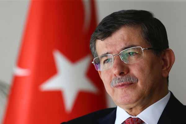 Başbakan Davutoğlu'ndan tezkere hakkında konuştu