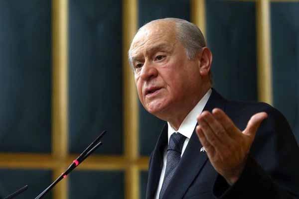 Devlet Bahçeli'den Başbakan Davutoğlu'na eleştiri