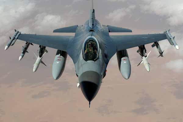 İngiltere, Peşmergeye hava saldırısı yardımı göndermeye devam ediyor