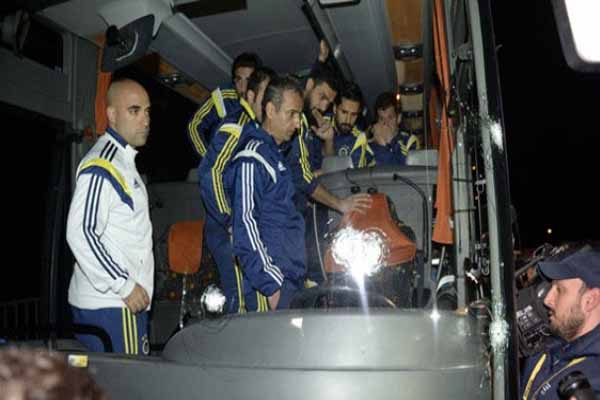 Fenerbahçe otobüsüne saldırıyla ilgili 2 kişi gözaltında