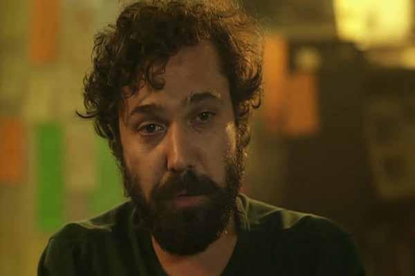 Halil Sezai ve arkadaşlarına otelde büyük şok