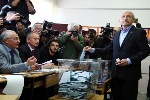 CHP lideri Kemal Kılıçdaroğlu başkentte sandık başına gitti