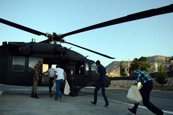 Diyarbakır'da oy pusulaları helikopterle taşındı