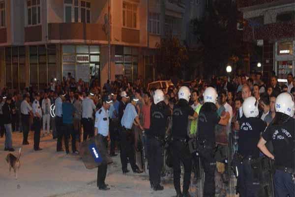 HDP seçim bürosuna taşlı saldırı