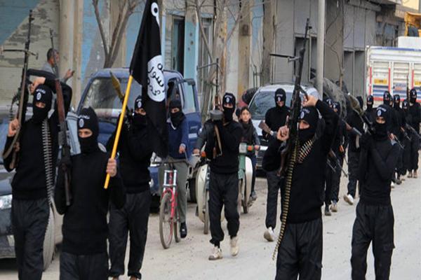 Kobani'ye IŞİD bayrağı dikildi