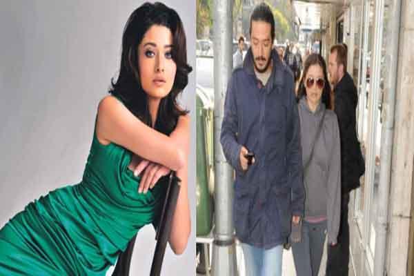 Nurgül Yeşilçay'ın eski sevgilisi halk otobüsüne binerken objektiflere yakalandı
