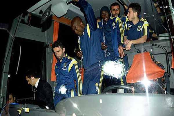 Fenerbahçeli futbolcuların aileleri endişe içinde