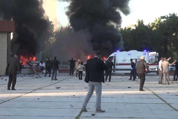 TEOG sınavı, Adana Valiliği'ndeki patlamadan 11 şoförü kurtardı