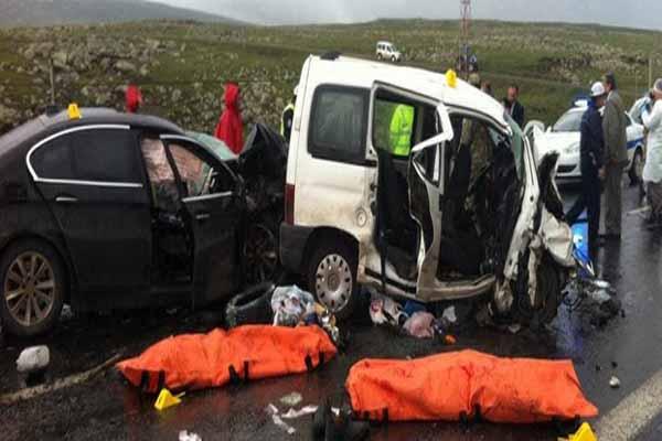 Ardahan-Kars karayolunda feci kaza, 6 ölü
