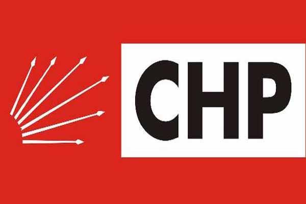 CHP'de 13 yönetim kurulu üyesi istifa etti
