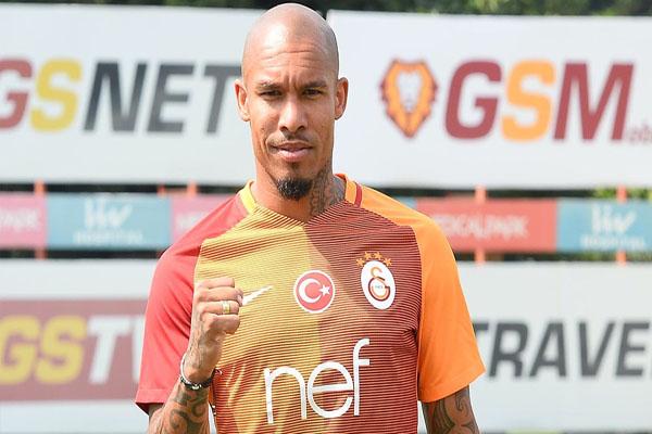 """Galatasaraylı futbolcu Jong, """"Türkiye'de başka bir takımda oynayamazdım"""""""