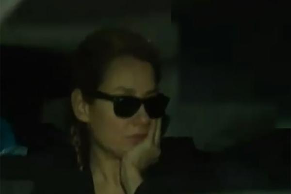 Şarkıcı Deniz Seki gözaltına alınırken görüntülendi