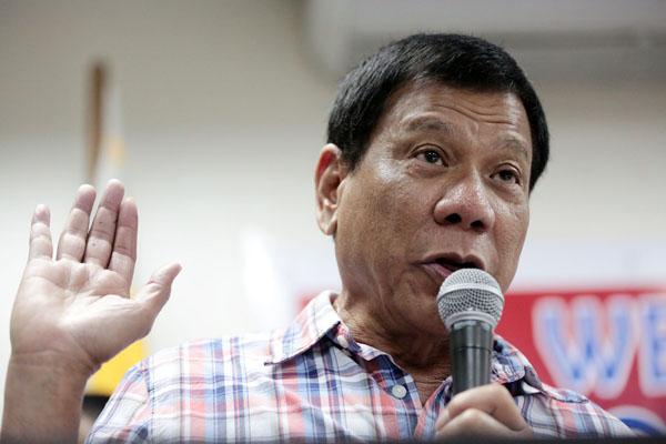 """Duterte, ABD'yi açık açık tehdit etti, """"Elimde çok silahı olan bir arkadaş var"""""""