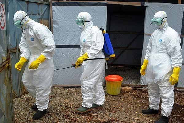 Ebola Batı Afrika'da yayılmaya devam ediyor