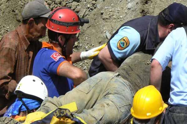 Edirne'de meydana gelen göçükte 2 işçi hayatını kaybetti