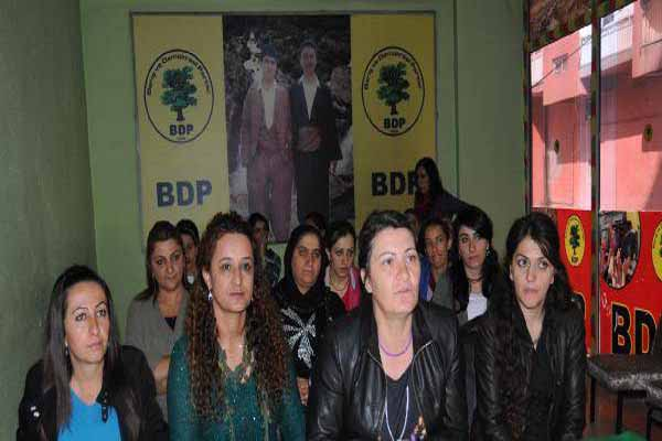 Hakkari'de Kobani'ye destek yürüyüşünde büyük olay