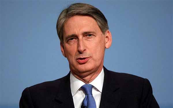 İngiltere Dışişleri Bakanı Hammond, 'IKBY'yi yalnız bırakmayacağız'