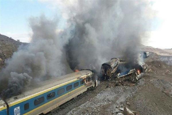 İran'da tren kazası, 44 kişi öldü, 103 kişi yaralandı