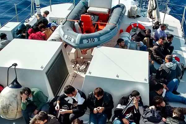 Akdeniz açıklarında 29 kaçak donarak hayatını kaybetti