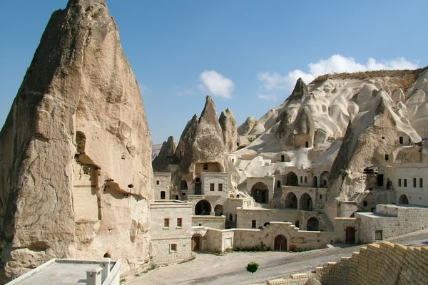 Kapadokya'daki turist sayısı yarı yarıya azaldı