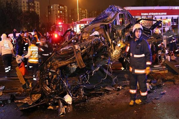 Metrobüs kaza yaptı, 1 kişi hayatını kaybetti
